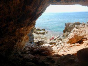 Il mare dalla grotta